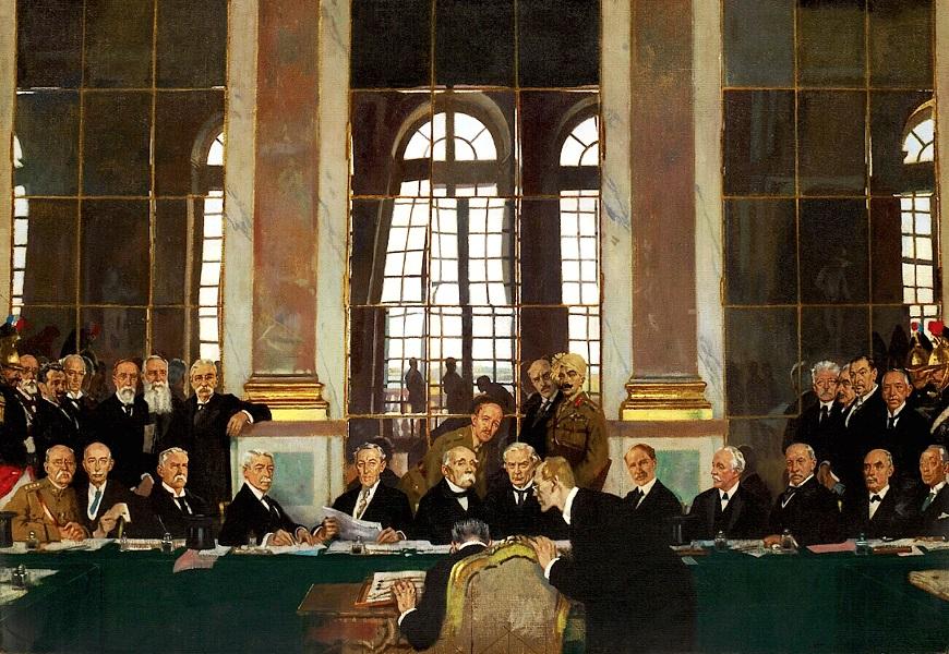 Representantes das nações vencedoras da Primeira Guerra Mundial assinando o Tratado de Versalhes*