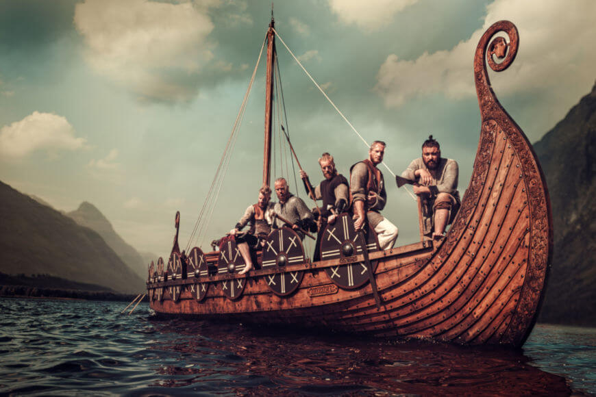 """As """"drakkars"""" eram de suma importância no sucesso das invasões realizadas pelos vikings"""