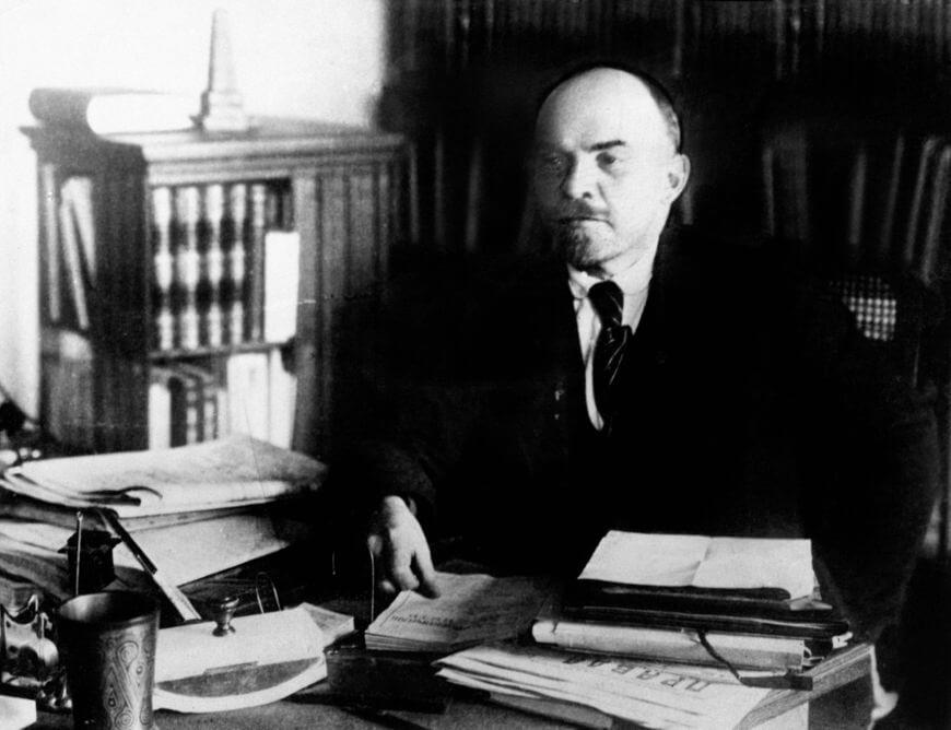 Vladimir Lenin foi o líder da Revolução de Outubro de 1917 e governou o país até a sua morte, em 1924.