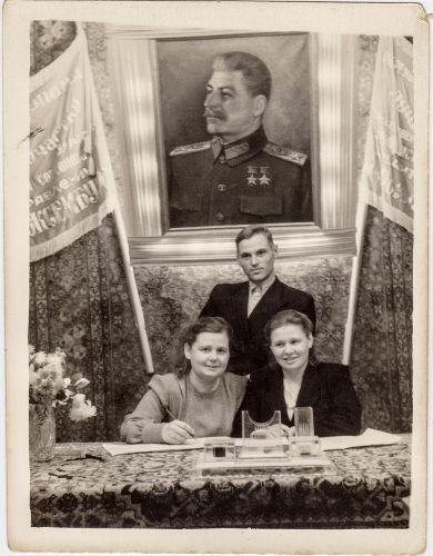 A vitória na 2ª Guerra fez Stalin transformar-se em herói na União Soviética.[2]