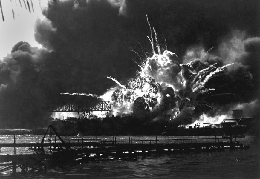 O ataque japonês contra a base naval norte-americana, no Havaí, levou à entrada dos Estados Unidos na guerra.