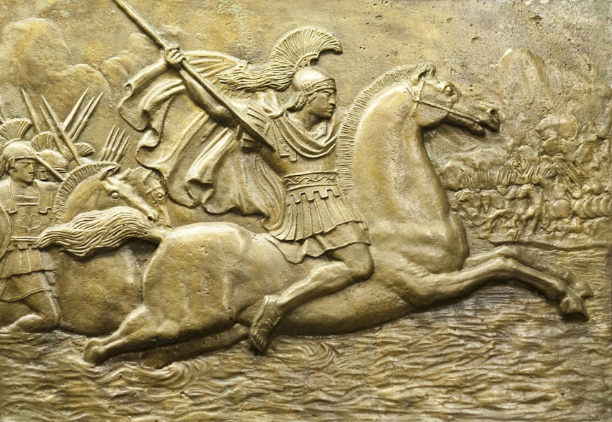 Em 336 a.C., Alexandre da Macedônia foi corado rei. Ele foi o responsável por expandir seu império pelo Oriente, derrotando os persas.