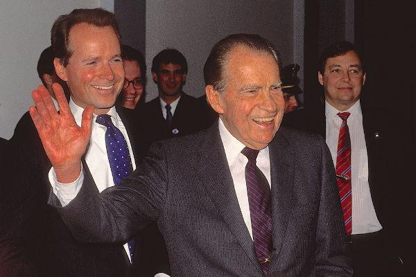 O presidente Richard Nixon protagonizou um dos maiores escândalos políticos da história norte-americana.[1]