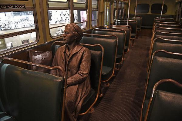 Modelo do ônibus no qual Rosa Parks negou-se a se levantar em dezembro de 1955.[2]