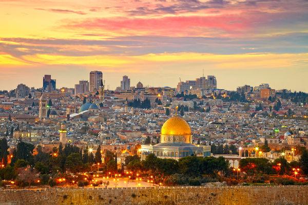 Jerusalém foi conquistada por volta de 1000 a.C., durante o reinado de Davi.