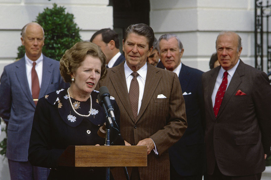 Margaret Thatcher e Ronald Reagan, dois grandes símbolos do neoliberalismo na década de 1980.[1]