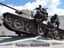 Estátua tanque de guerra