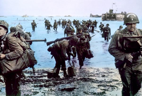 Soldados aliados desembarcaram na Normandia, em 6 de junho de 1944, iniciando a reocupação da França, que estava nas mãos dos alemães nazistas.