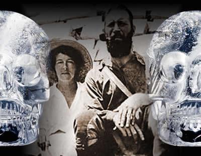 Mitchell-Hedges e sua filha: dois famosos instigadores das lendárias caveiras de cristal