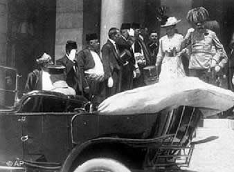 Ferdinando e a esposa em Sarajevo