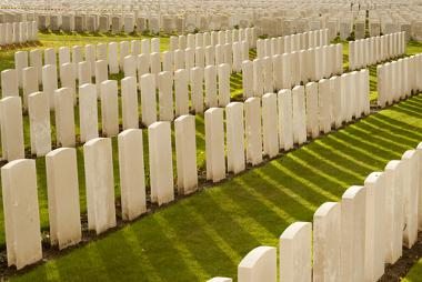 A Primeira Guerra deixou um enorme número de soldados mortos para todas as nações envolvidas, além da vasta destruição nas cidades europeias