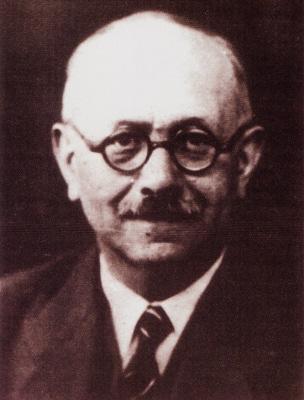 O historiador francês Marc Bloch, especialista em História Medieval, foi um dos fundadores da Escola dos Annales *