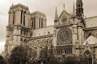 A Catedral de Notre Dame, em Paris, é um dos mais belos exemplos da arquitetura medieval