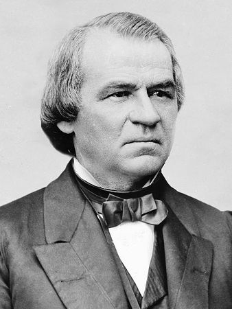 Andrew Jonhson sucedeu Lincoln após o assassinato deste