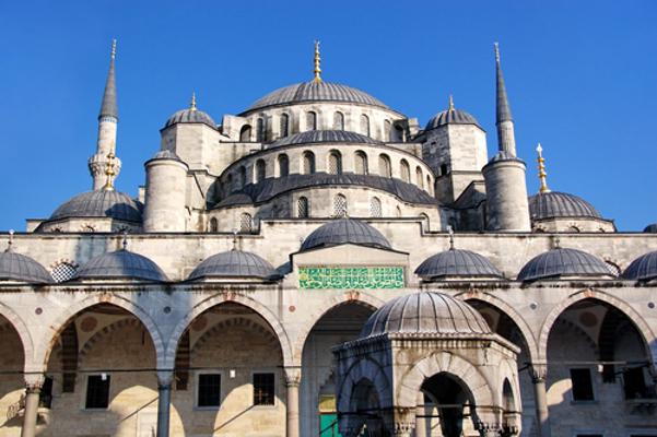 A Mesquita Azul, em Istambul, Turquia, é uma das mais impressionantes obras arquitetônicas turcas