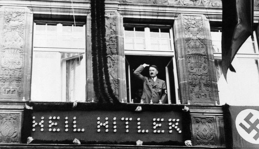 As Leis de Nuremberg foram elaboradas após ordem expressa de Hitler durante a Convenção do Partido em 1935.*