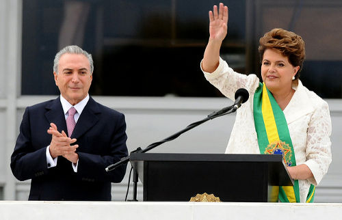Dilma Rousseff foi destituída do cargo de  Presidente da Republica em 31 de agosto de 2016 *