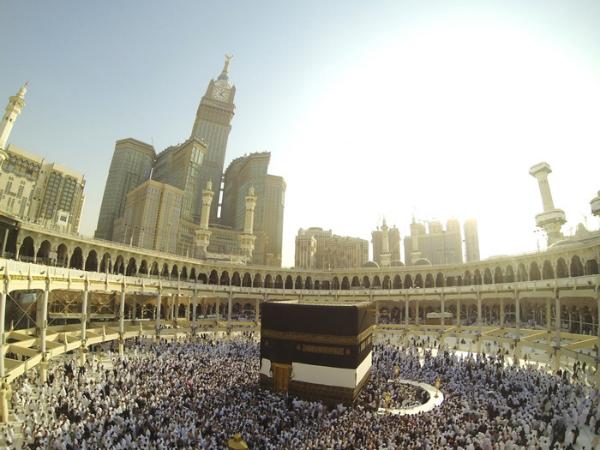 Do Islã, fundado pelo profeta Maomé, duas correntes principais nasceram: Sunitas e Xiitas