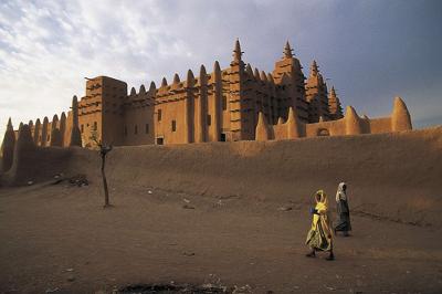 Grande Mesquita de Djenne, construída durante o domínio do antigo império islâmico do Mali