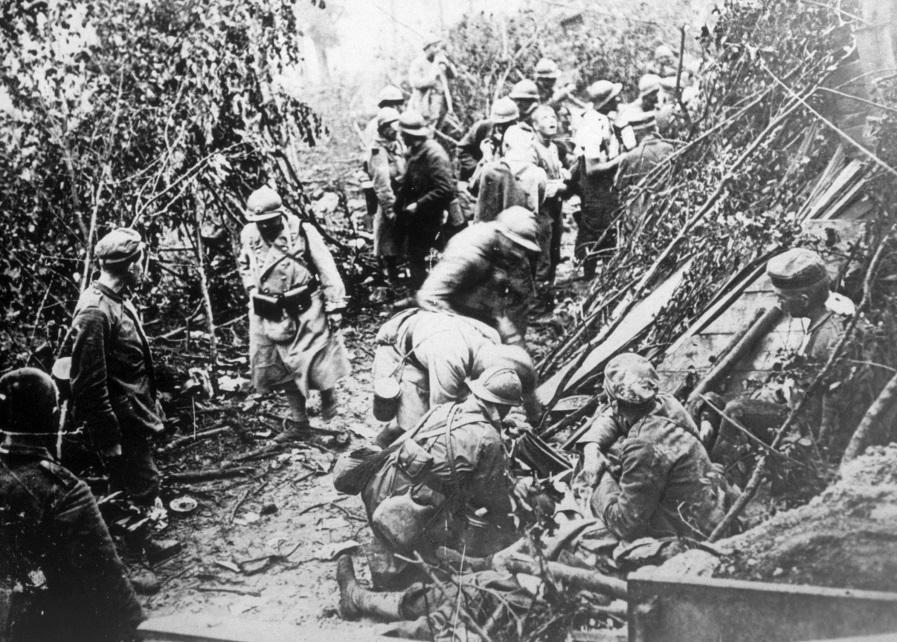 Houve uma trégua entre tropas inimigas no Natal de 1914