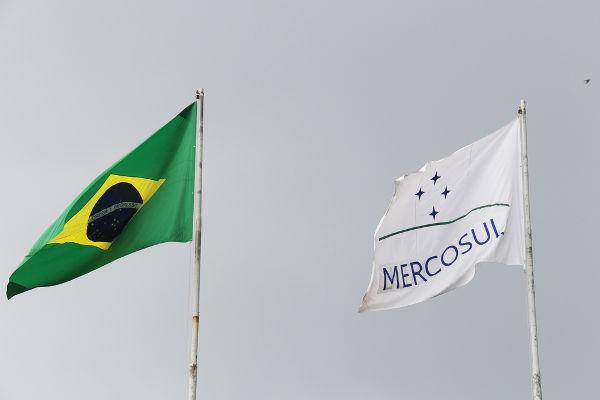 Mercosul foi criado em 1991 com o objetivo de promover a integração econômica dos países sul-americanos*