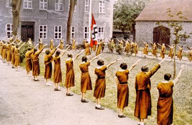 """No nazismo, houve a articulação do extermínio de """"pessoas indesejáveis"""" na sociedade alemã"""
