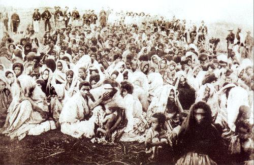 O Arraial de Canudos, formado no interior da Bahia, reuniu milhares de indivíduos