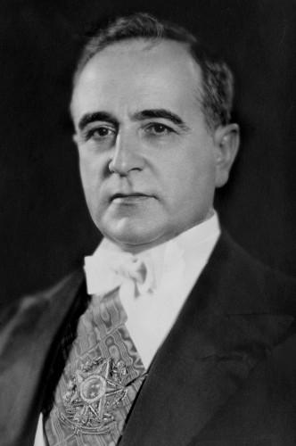 O presidente Getúlio Vargas teve seu segundo governo no Brasil abalado em virtude do atentado na rua Tonelero