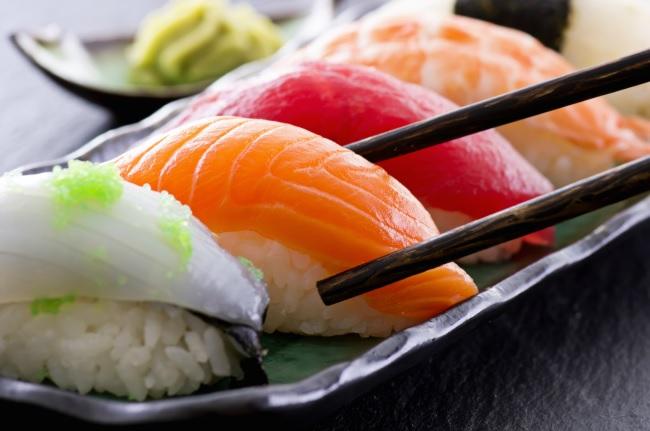 O sushi pode ser visto como uma das primeiras refeições rápidas inventadas pelos orientais