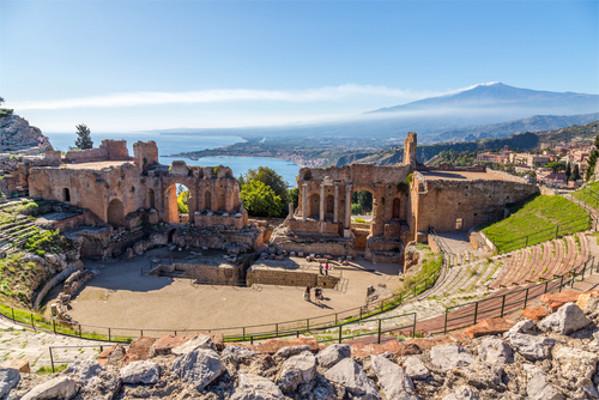 Os gregos formularam diversas práticas que influenciaram na formação do Mundo Contemporâneo