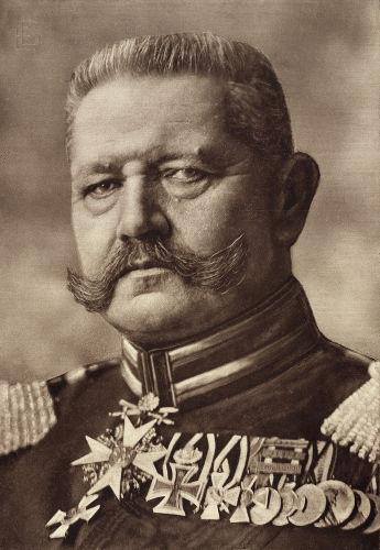 Paul von Hindenburg foi um dos chefes de Estado da República de Weimar