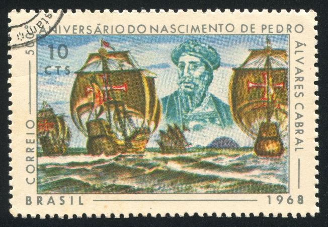 Selo brasileiro em homenagem a Pedro Álvares Cabral, líder da expedição que chegou ao Brasil em 1500 *
