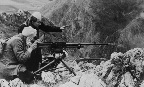 Soldados que lutaram pelo Ustase nas montanhas da Bósnia contra os Partisans em 1944